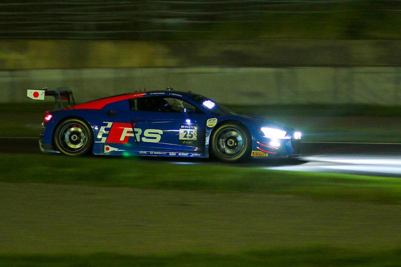 2019年の鈴鹿10時間耐久レースを制した25号車 Audi R8 LMS GT3 Evo(Audi Sport Team WRT、ケルビン・ファン・デル・リンデ/ドリス・バンスール/フレデリック・ヴェルヴィッシュ組)