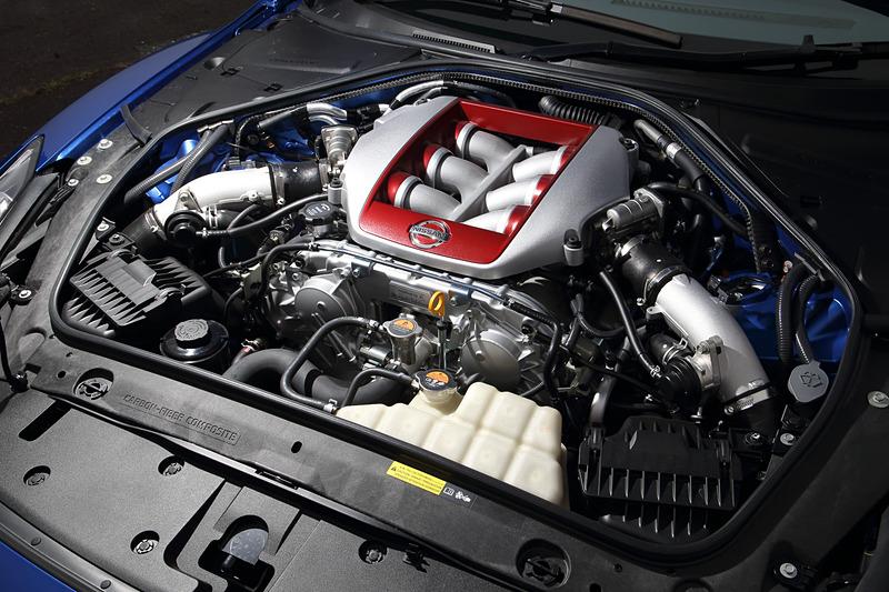 搭載するV型6気筒DOHC 3.8リッターツインターボ「VR38DETT」型エンジンは最高出力419kW(570PS)/6800rpm、最大トルク637Nm(65.0kgfm)/3300-5800rpmを発生。WLTCモード燃費は7.8km/L