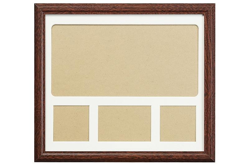 額縁の外寸は400×351mm(幅×高さ)で、重量は約1050g。台紙の色はブラックとホワイトの2色から選択できる。台紙の下部に3つ並んだ窓のサイズは左右の窓が79×70mm(幅×高さ)、中央の窓が117×79mm(幅×高さ)