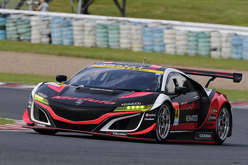 34号車 Modulo KENWOOD NSX GT3(道上龍/大津弘樹組、YH)は予選18番手