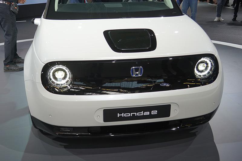 公開されたHonda eの量産モデル