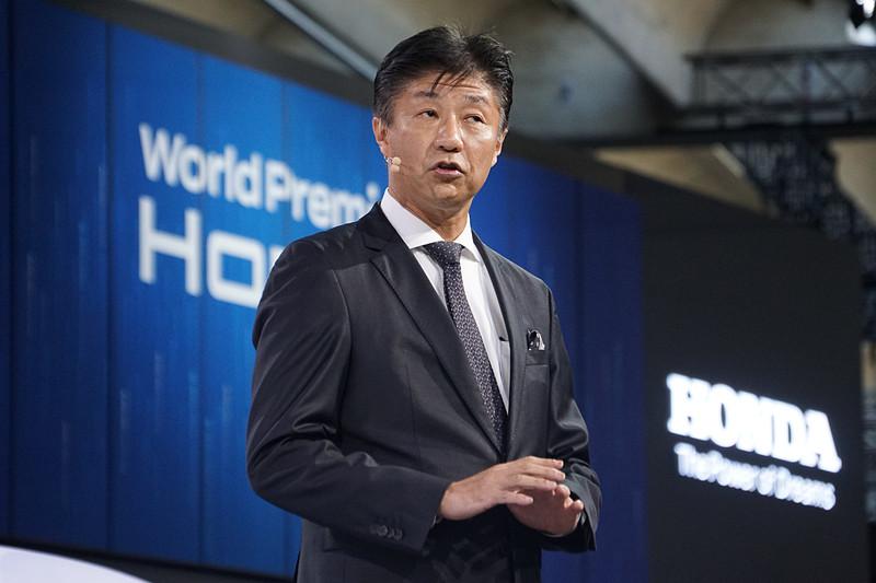 プレスカンファレンスではホンダモーターヨーロッパ・リミテッド 取締役社長 井上勝史も登壇した