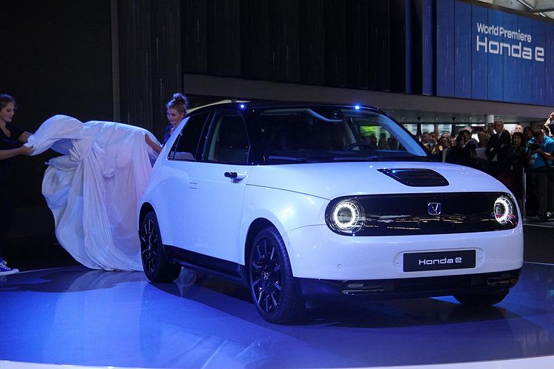 Honda e量産モデルをアンベール