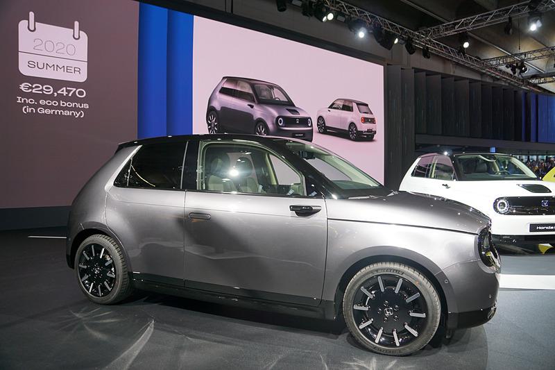 2020年に発売する新型「Honda e」を世界初公開