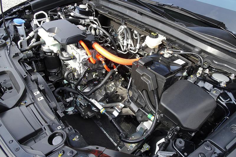 プロトタイプEV「e-TPV」は35.5kWhのリチウムイオン電池を搭載。モーターの最高出力は105kW、最大トルクは265Nm