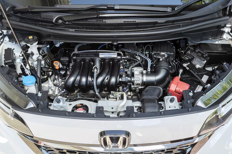 ガソリン車は直列4気筒1.5リッターエンジンを搭載