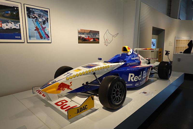 ベッテル選手がFormula BMW時代にのっていた車両