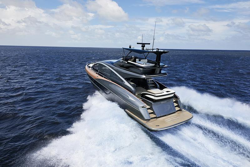ラグジュアリーヨット「LY650」