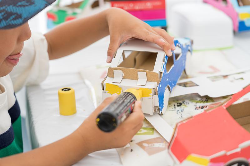 ホンダの社会貢献活動ブースで開催されていたのは、キラキラアクセサリー作りやファンファンクラフト(小学生以下のお子さん限定)。とっても楽しそう!