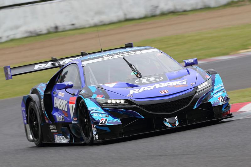予選2位は1号車 RAYBRIG NSX-GT(山本尚貴/ジェンソン・バトン組、BS)