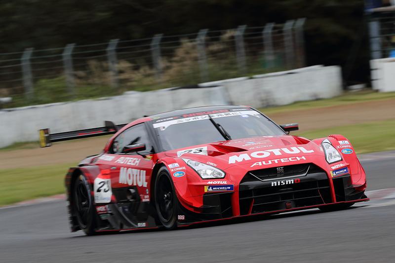 23号車 MOTUL AUTECH GT-R(松田次生/ロニー・クインタレッリ組、MI)は10位でQ1落ち