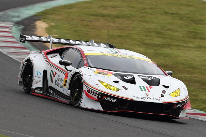 ポイントランキング2位の88号車 マネパ ランボルギーニ GT3(小暮卓史/元嶋佑弥組、YH)も13位