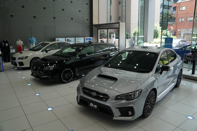 展示車両はWRX STI、レヴォーグ、S4