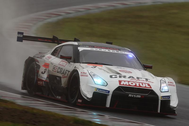 GT500クラスを制したのは3号車 CRAFTSPORTS MOTUL GT-R(平手晃平/フレデリック・マコヴィッキ組、MI)