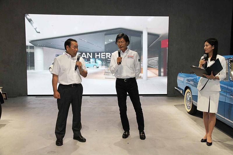 元レーシングドライバーの長谷見昌弘氏(左)と日産系チームの総監督を務めていた柿元邦彦氏(中央)によるトークショーも実施