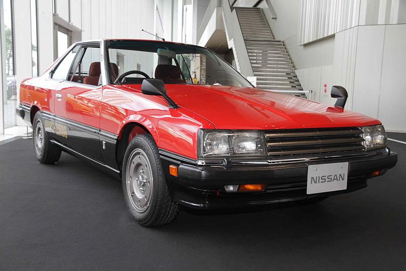 スカイライン ハードトップ 2000 ターボRS(1983年:KDR30)。車両寸法:4595×1665×1360mm(全長×全幅×全高)、ホイールベース:2615mm。車両重量:1175kg。サスペンション:ストラット・セミトレーリングアーム(前・後)。ブレーキ:ベンチレーテッドディスク・ディスク(前・後)。タイヤ:195/60R15 86H。エンジン型式:FJ20型(直4 DOHC ターボ)。排気量:1990cc。最高出力:140kW(190PS)/6400rpm、最大トルク:225Nm(23.0kgfm)/4800rpm