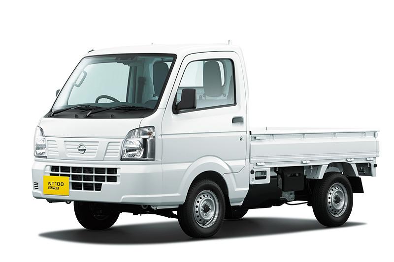 NT100 クリッパー DX セーフティ パッケージ(3速AT/4WD)