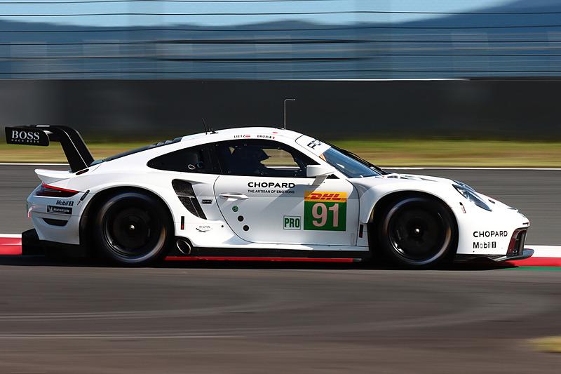 LMGTE Proのトップ、91号車 ポルシェ 911 RSR(ジャンマリア・ブルーニ/リヒャルト・リーツ組)