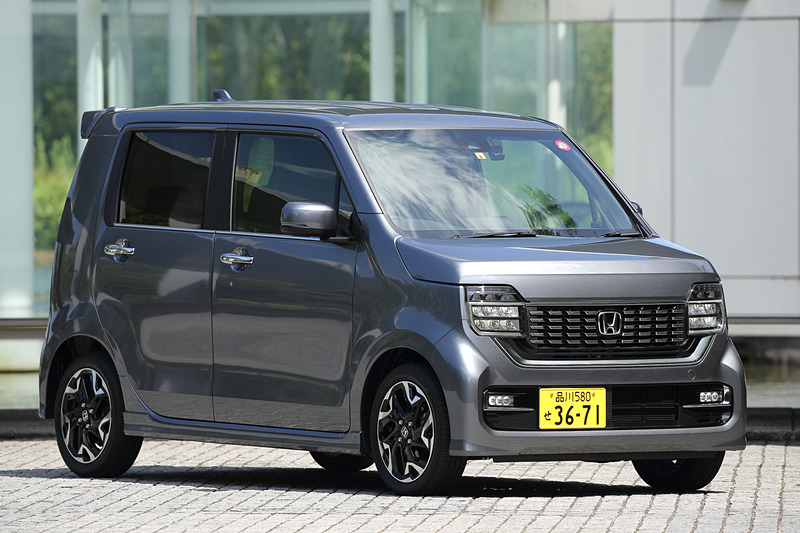 シャイニンググレー・メタリックカラーの「L ターボ・Honda SENSING」(2WD)は169万4000円
