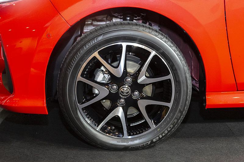 タイヤサイズは185/55R16。グレード別に14インチ~16インチの設定がある