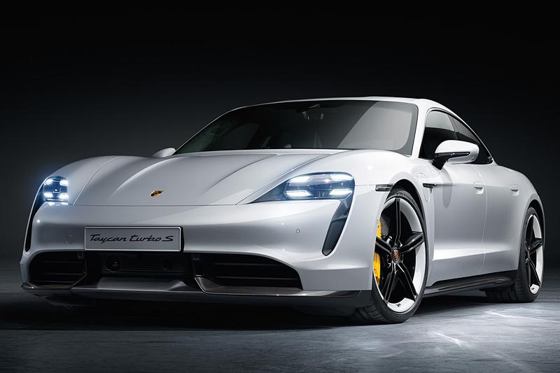 新型EV「タイカン」