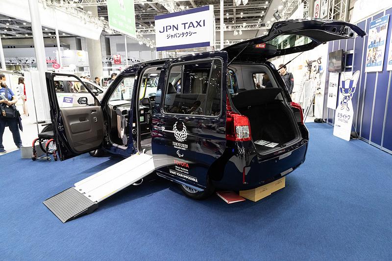 3月のリニューアルで、車いすでの乗降時間がほぼ1/3に短縮されたジャパンタクシー