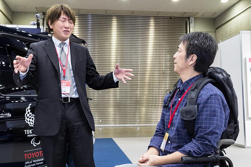 車いす乗降作業研修講師の淡田兼史氏。ジャパンタクシー普及のため、ドライバーと車いす利用者の溝を埋めるために、日々尽力されています