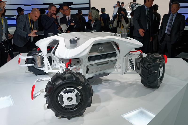 4輪の自律走行車両「Land Link Concept」