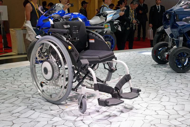電動アシスト車椅子「JWX-1 PLUS+」。一般的な車いすと同じ使い勝手ながら、的確にパワーアシストして行動範囲を広げてくれる