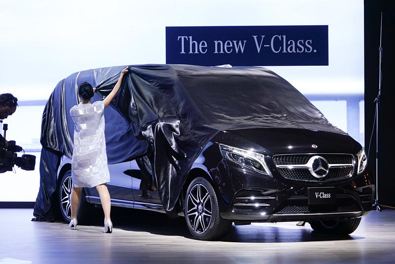 新型「Vクラス」がアンベール