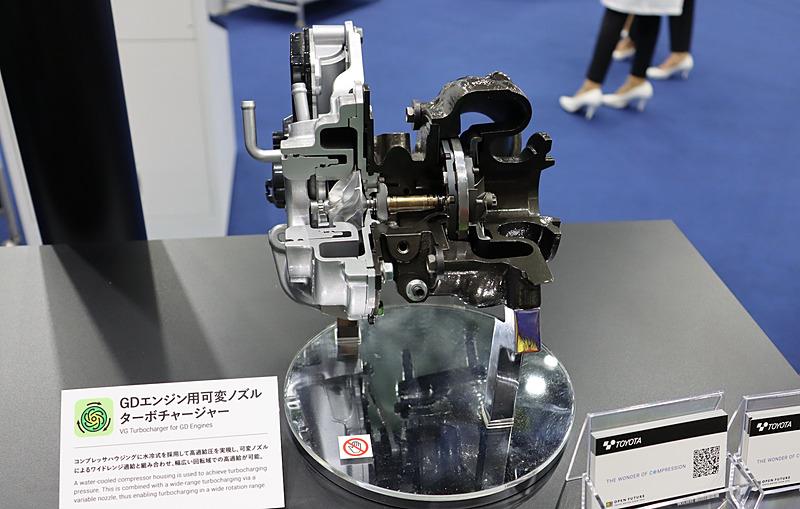 グランエース搭載エンジンで採用されている可変ノズルターボチャージャー