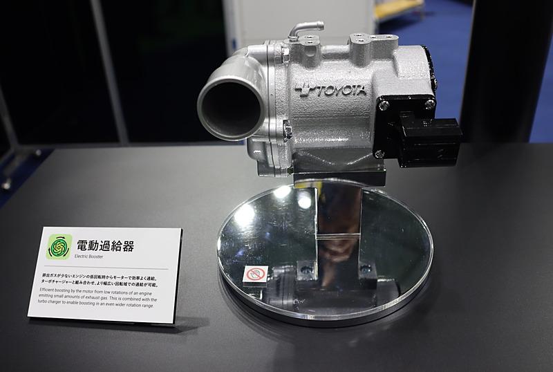ターボチャージャーと組み合わされる高性能の電動式過給機