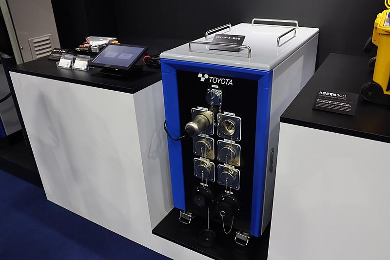 電動車を6台接続して生み出された高出力の電力をエレベーターなどに供給できる「ACインバーター結合機」