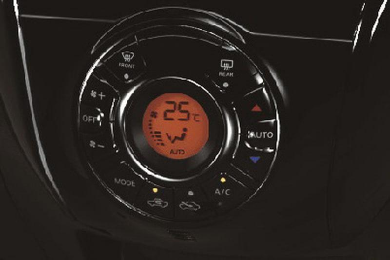 エアコンがオートエアコンに変更される