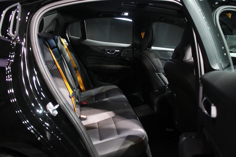 S60 T8 ポールスター エンジニアード
