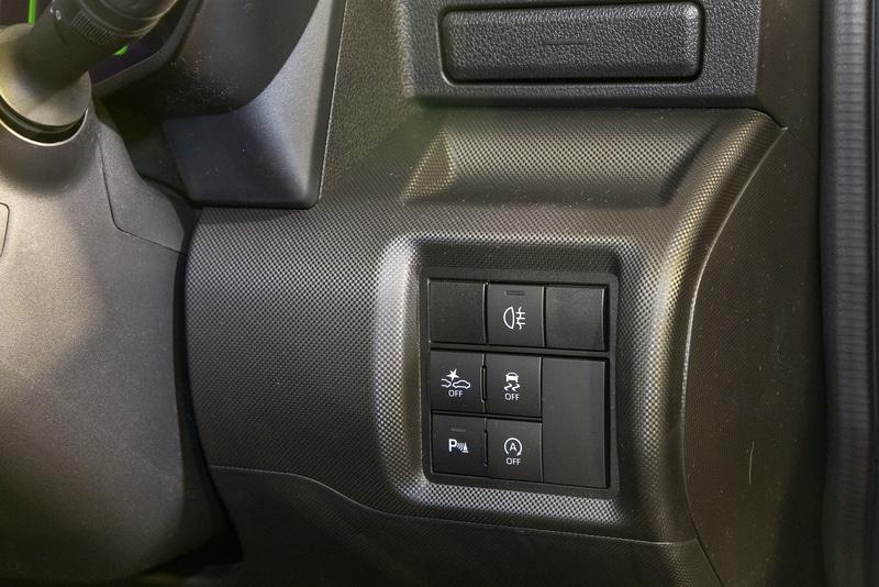 運転席右下のスイッチ類