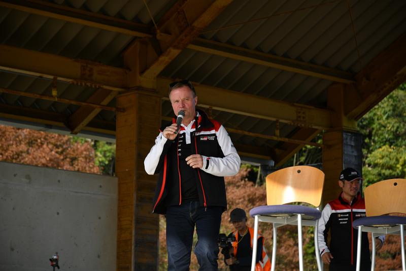 サプライズ登場したToyota GAZOO Racing WRTのトミ・マキネン監督。現役最終年をスバルで過ごし、ソルベルグ選手ともチームメイトだった
