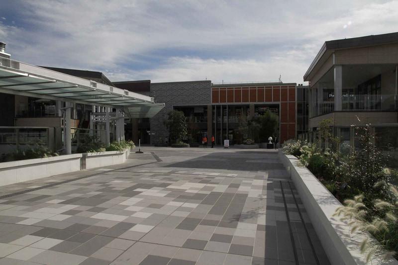 東急 南町田グランベリーパーク駅側に位置する南町田グランベリーパークのエントランススペース
