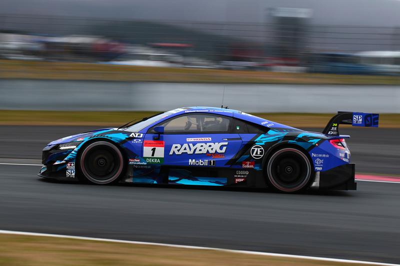 3位になった山本尚貴選手(1号車 RAYBRIG NSX-GT)。表彰台はSUPER GT勢となった
