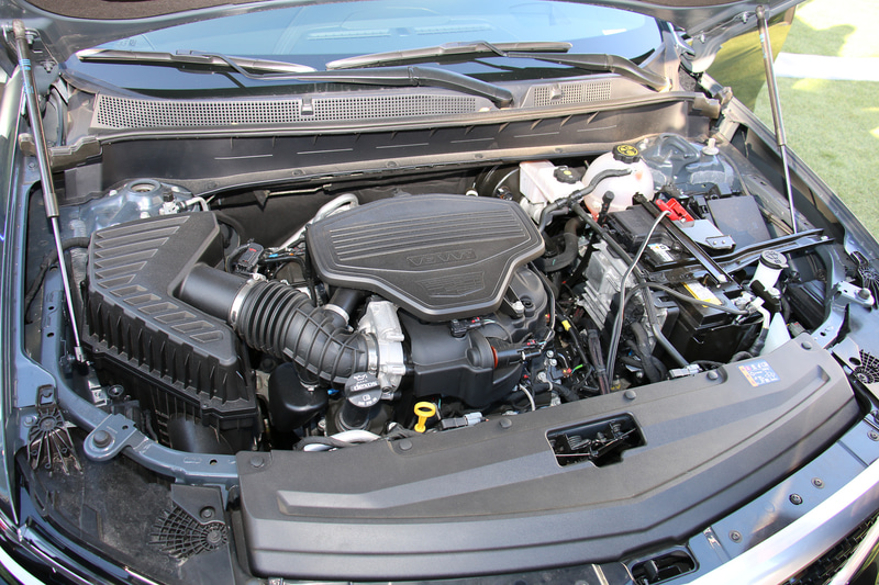 「3L」型のV型6気筒DOHC 3.6リッターエンジンは、最高出力231kW(314PS)/6700rpm、最大トルク368Nm(37.5kgfm)/5000rpmを発生