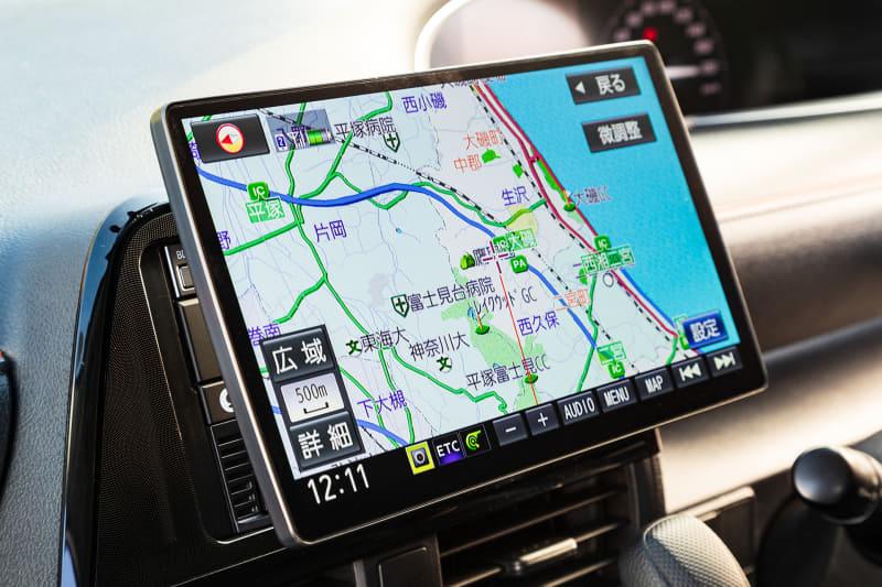 10V型の大画面だからこそ、安全・安心サポート機能がより活きる