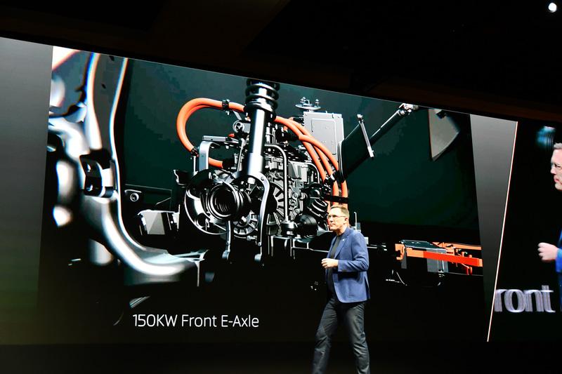 M-BYTEの技術解説。4WDモデルの場合フロントには150kWのモーターを装備