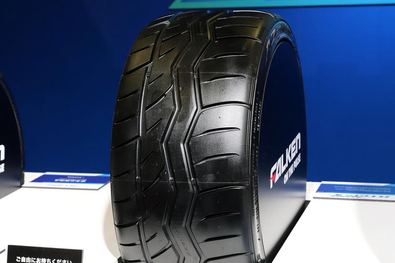 スポーツタイヤの「AZENIS RT615K+」