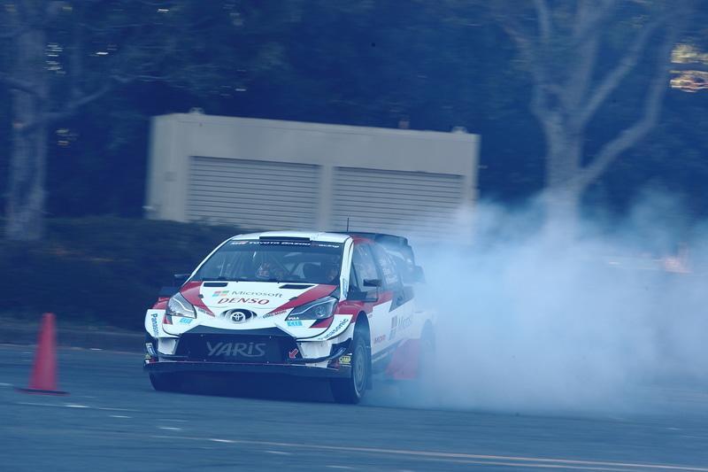 スピードもタイヤスモークの量も世界レベル!