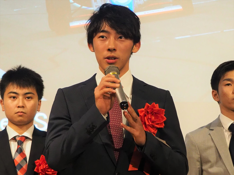 「選んでいただきありがとうございます。これからもF1を目指してもっと頑張ります」と佐藤蓮選手