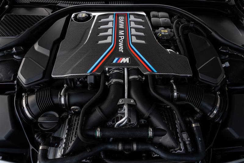 M8 グラン クーペ Competitionは最高出力460kW(625PS)/6000rpm、最大トルク750Nm/1800-5860rpmを発生するV型8気筒 4.4リッターツインパワー・ターボ・エンジンを搭載