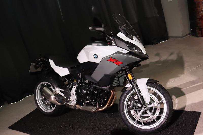 同じく近日発表予定の「F 900 XR」も展示された