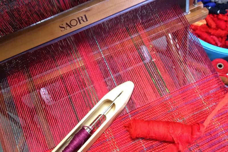 機織りで織る