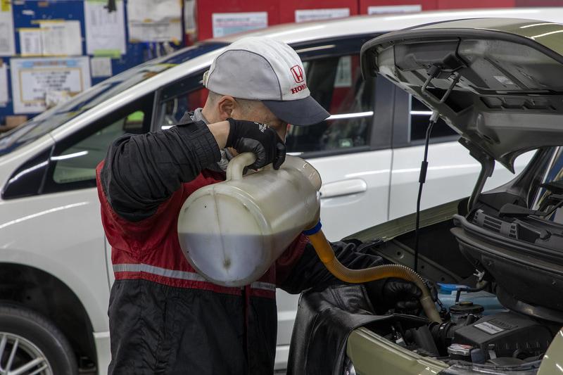 エンジンオイルはホンダ純正オイルの「ULTRA LTD」(5W-30)を入れている。新車時に入っている0W-20よりトルク感が出るという印象だ