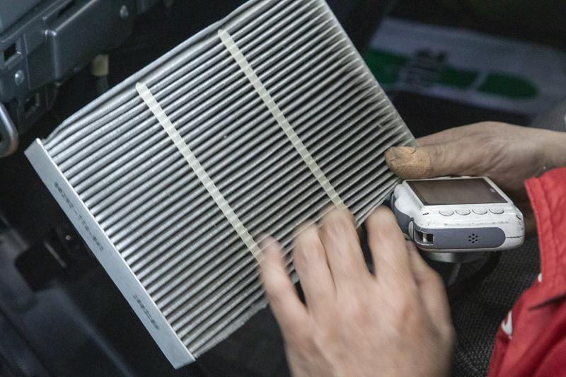 エアコンフィルターはそれなりに汚れていたので、車検時に換えるのもいいかも